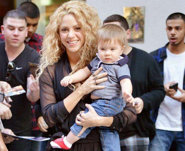 Shakira và cậu nhóc Sasha