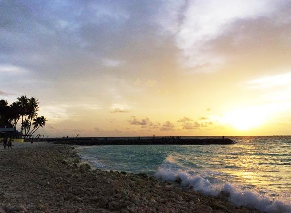 chuyen-di-maldives-cua-me-don-than-ung-thu-va-con-trai-12