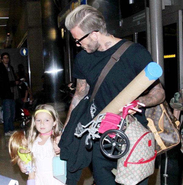 Từ ngày giải nghệ, cựu sao Anh thường xuyên đưa đón các con đi học
