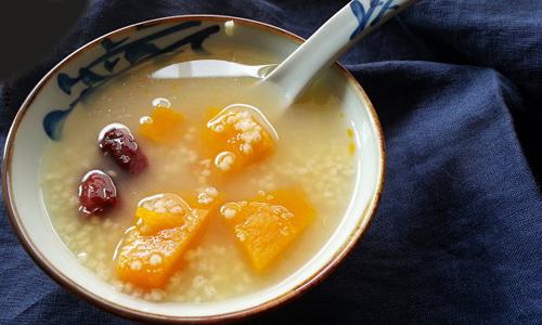 Cháo bí ngô hạt kê bổ dưỡng cho người đau dạ dày