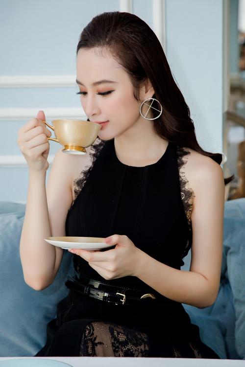 angela-phuong-trinh-khong-buon-khi-biet-tinh-cu-dai-gia-co-nguoi-moi