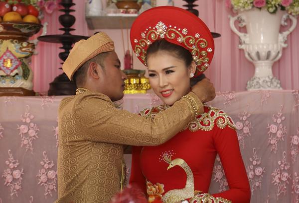 thien-bao-mang-xe-hoa-mui-tran-di-ruoc-kim-yen-11