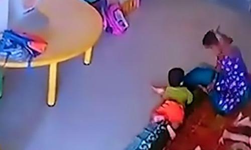 Bé gái 9 tháng tuổi bị cô giáo đánh nứt hộp sọ