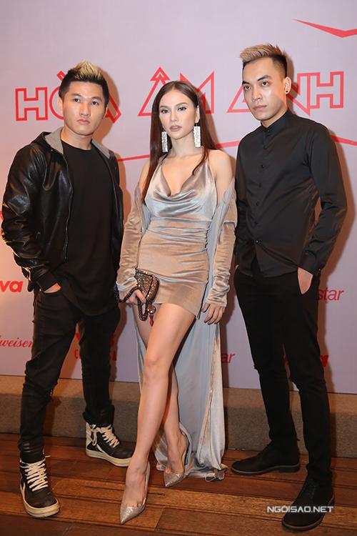huong-giang-idol-mac-ho-bao-du-hop-bao-5