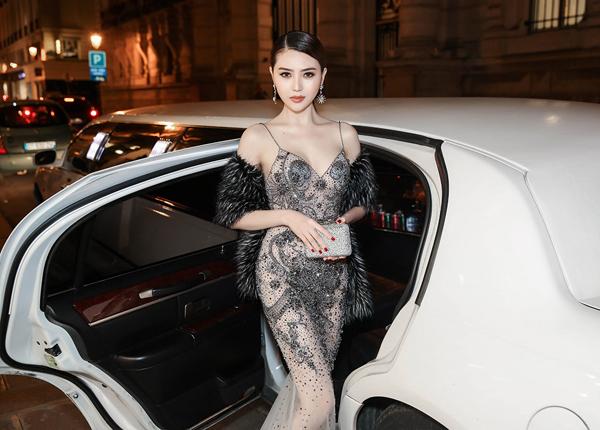 le-ha-ngoc-duyen-ngoi-xe-limousine-di-xem-show-victorias-secret-3