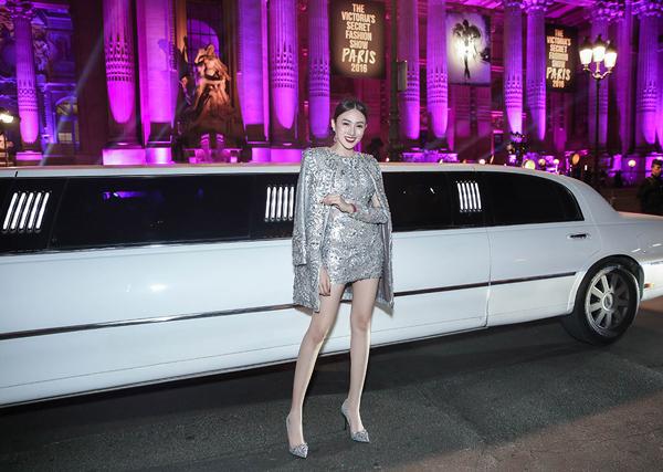 le-ha-ngoc-duyen-ngoi-xe-limousine-di-xem-show-victorias-secret-6