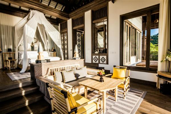 Một số khu nghỉ dưỡng được đề cử tranh giải này gồm The Ritz-Carlton Laguna Niguel (California, Mỹ), Amanyara Villas, Turks & Caicos, Ayada, Cheval Blanc Randheli (Maldives), Conrad Algarve (Bồ Đào Nha), Emirates Palace (Các Tiểu vương quốc Ảrập thống nhất), InterContinental Samui Baan Taling Ngam Resort (Thái Lan)...