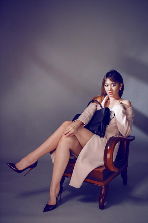hari-won-quyen-ru-cung-phong-cach-tiec-tung-2