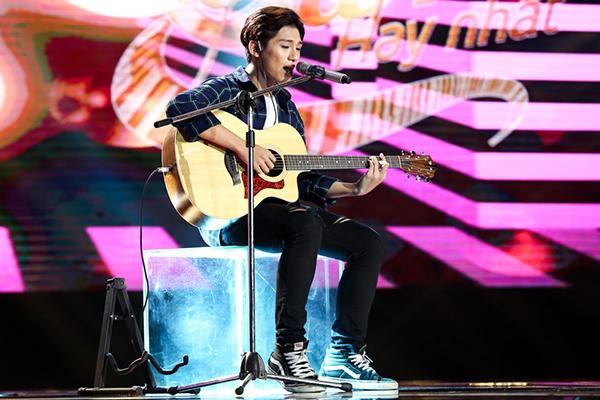hot-boy-16-tuoi-khien-huan-luyen-vien-sing-my-song-phai-gianh-giat