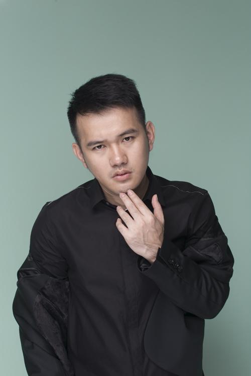 Nhà thiết kế cho biết, bộ sưu tập Lam Vũ của mình sẽ được giới thiệu vào ngày 12/12 tại bảo tàng mỹ thuật TP HCM.