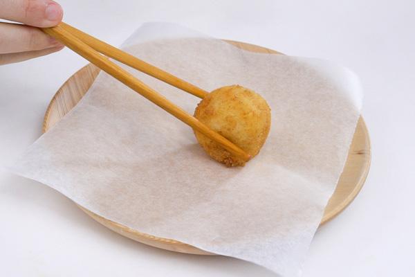 banh-khoai-tay-vien-thit-xong-khoi-va-pho-mai-tan-chay-6