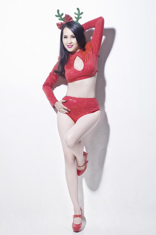 gai-nhay-minh-thu-mac-sexy-chup-anh-giang-sinh-1