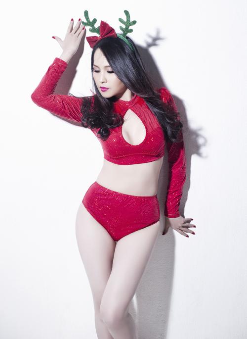 gai-nhay-minh-thu-mac-sexy-chup-anh-giang-sinh-4