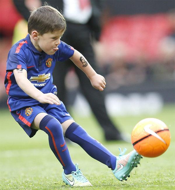 Con trai Rooney vốn tập trong đội