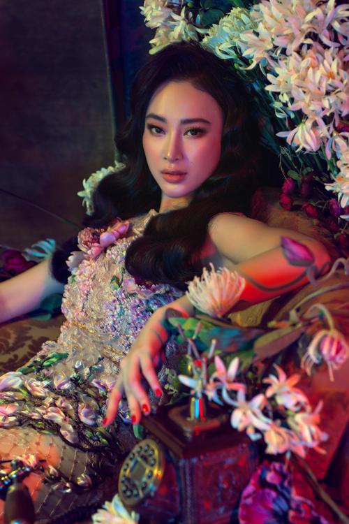 angela-phuong-trinh-dien-vay-mong-tang-lam-mau-anh-4