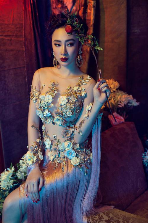 angela-phuong-trinh-dien-vay-mong-tang-lam-mau-anh-5