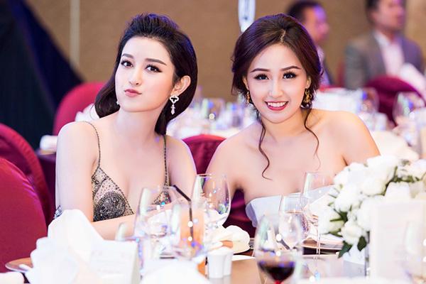 mai-phuong-thuy-huyen-my-khoe-lung-tran-o-su-kien