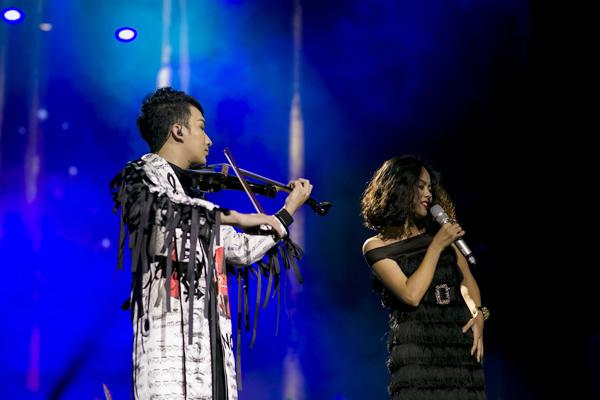 linh-nga-bay-ra-ha-noi-ung-ho-nghe-si-violin-hoang-rob-6