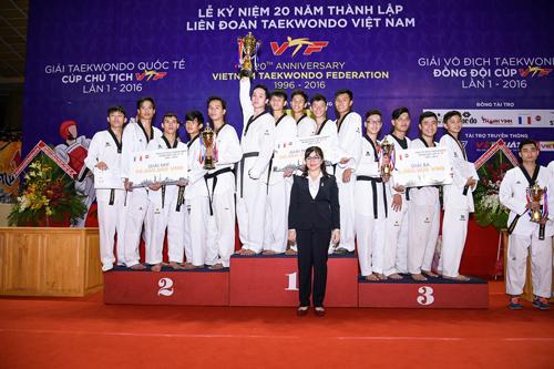 nhua-long-thanh-tai-tro-cho-lien-doan-taekwondo-viet-nam-2