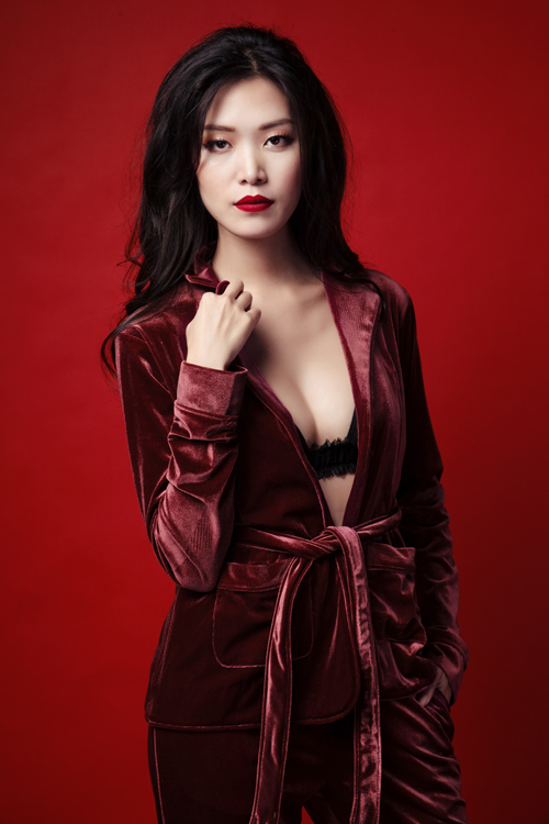thuy-dung-sexy-voi-hot-trend-vai-nhung