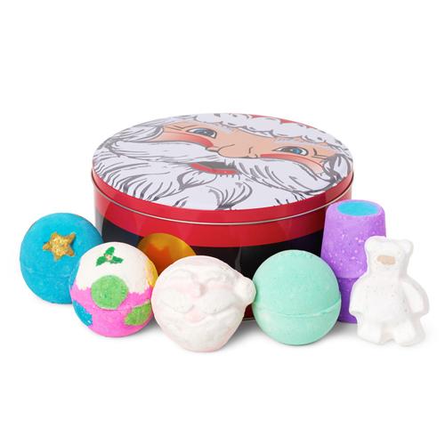 Lush Cosmetics Father Christmas Wrapped Gift Bộ sản phẩm xà phòng tắm của Lush luôn là niềm mơ ước của các chị em. Giá tham khảo: 50 USD (khoảng 1.150.000 đồng).