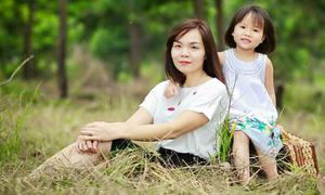 Mẹ bị 'choáng' khi con gái 6 tuổi kể chuyện yêu đương ở lớp