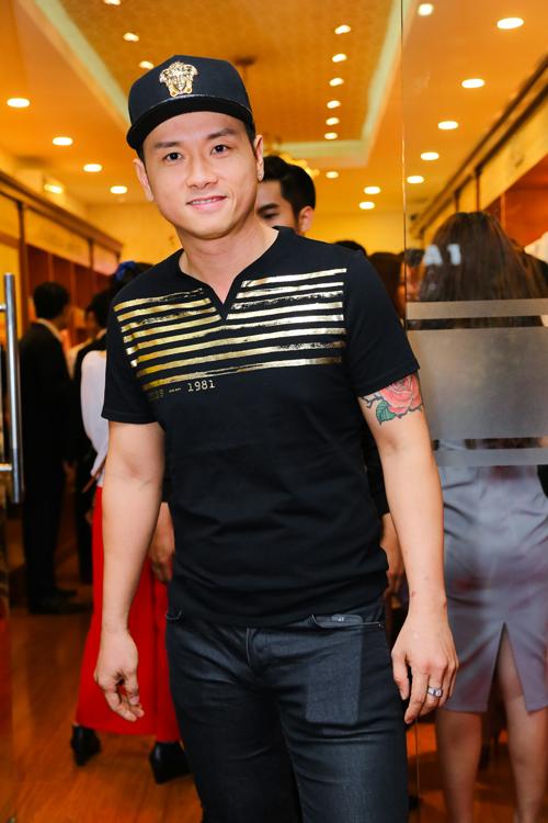 lan-phuong-quan-tam-that-ca-vat-giup-binh-minh-6