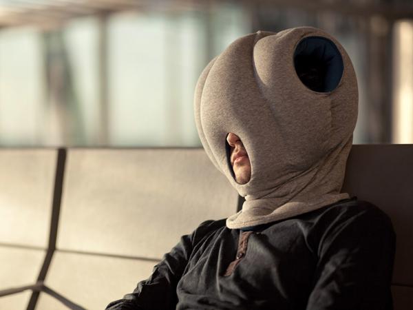 Gối ngủ rất quan trọng với các chuyến đi dài. Chiếc gối