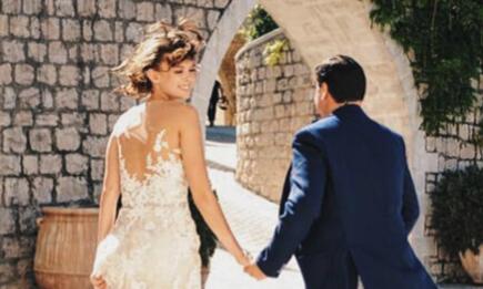 Hôn nhân bất chấp thị phi của tỉ phú Nga và vợ kém 37 tuổi