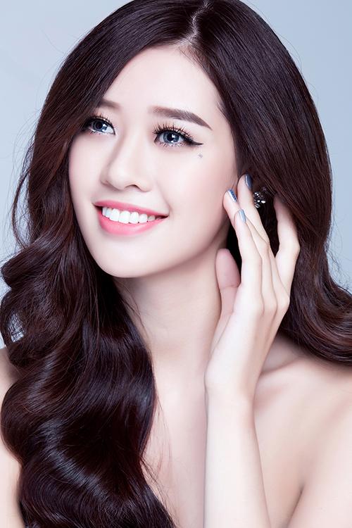 khanh-van-goi-y-cach-make-up-trong-le-an-hoi-va-tiec-cuoi-5