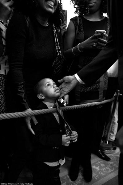 nhung-khoanh-khac-dang-nho-cua-obama-o-nha-trang-2016-4