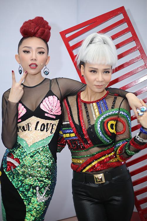 huan-luyen-vien-the-voice-tao-hinh-la-di-cham-thi-9