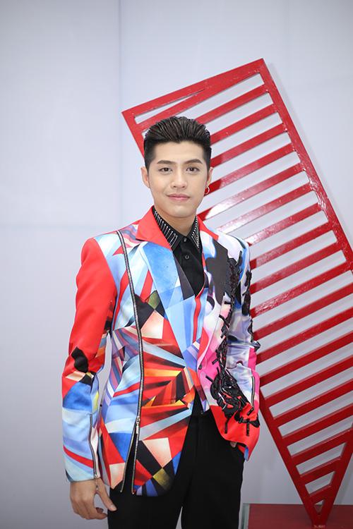 huan-luyen-vien-the-voice-tao-hinh-la-di-cham-thi-6