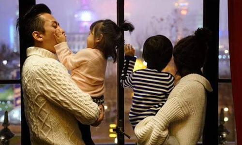 Khoảnh khắc hạnh phúc của nhà Tôn Lệ khiến fan 'tan chảy'