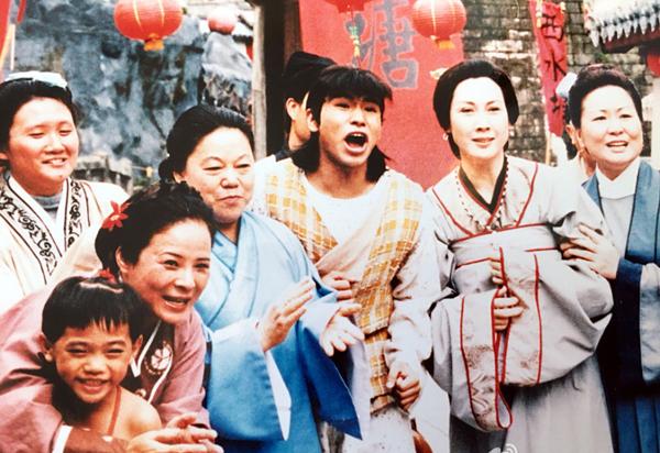 hau-truong-chua-tung-he-lo-cua-luong-son-ba-chuc-anh-dai-2