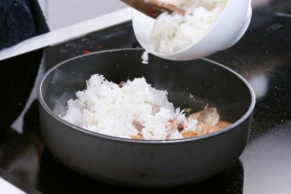 com-rang-tom-dua-kieu-thai-thom-nuc-mui-4