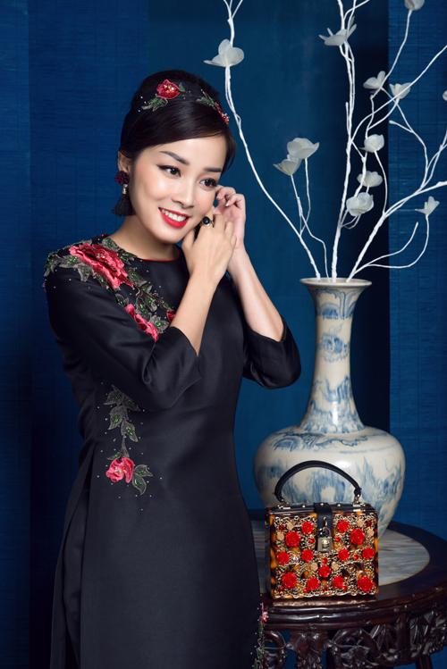 minh-huong-duyen-dang-voi-ao-dai-cach-tan-6