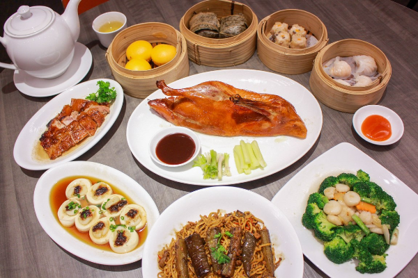 trai-nghiem-100-mon-an-quang-dong-tai-crystal-jade-kitchen-1