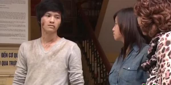Khánh Lâm bị thương nặng ở mặt khi cố giải cứu Hoài An khỏi bọn bắt cóc.