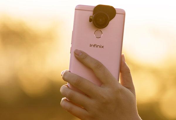 smartphone-ban-kem-ba-ong-kinh-tao-hieu-ung-o-viet-nam