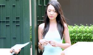 Helen Thanh Đào không xu dính túi, vất vưởng ở nhà bạn