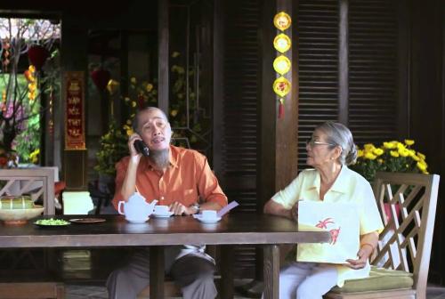 nhung-canh-doi-gay-xuc-dong-trong-phim-ngan-ve-tet-1