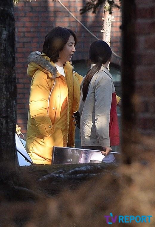 Nam diễn viênYoon Sang Hyun cũng xuất hiện