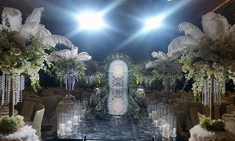 Tiệc cưới lộng lẫy phong cách Gatsby của Hoa hậu Thu Ngân