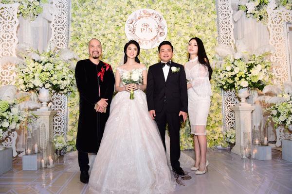 NTK Đức Hùng và Hoa hậu Dân tộc Ngọc Anh đến chúc mừng hôn lễ của Thu Ngân.