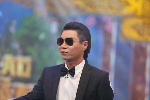 co-du-cong-ly-bat-ngo-lam-nu-sinh-ngay-tho-trong-tao-quan-2017
