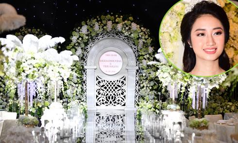 Không gian tiệc cưới hơn 1 tỷ đồng của Hoa hậu Thu Ngân