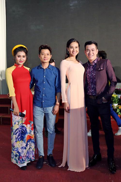 Diễn viên Nguyệt Ánh, Thuận Việt, Dương Mỹ Linh và Hồ Trung Dũng.