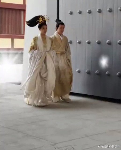 tao-hinh-so-ngoc-phim-phuong-tu-hoang-khien-fan-cuoi-bo