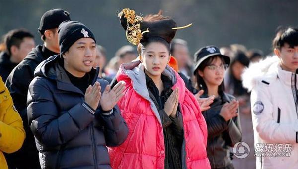 tao-hinh-so-ngoc-phim-phuong-tu-hoang-khien-fan-cuoi-bo-3